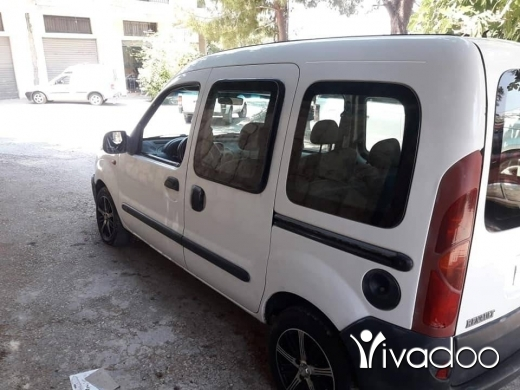 Renault in Nabatyeh - موديل 2000 مفوّل