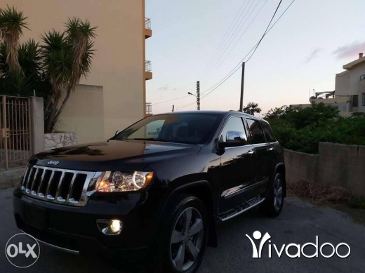 Jeep in Jbeil - 2013 cherokee ajnabe 4wd black 3.6