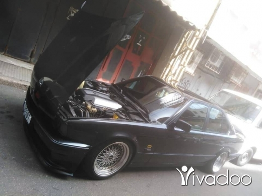 BMW in Port of Beirut - Bmw v8 l993 full outomatic