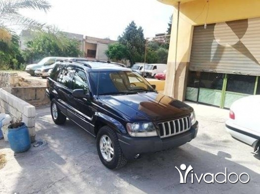 Jeep in Nabatyeh - grand cheroki model 2004 enkaz 4×4 ke7li alb rmedi moter vites ac top contact 03237206