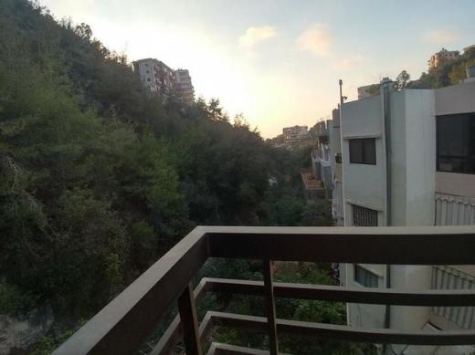 Apartments in Choueifat - شقة سكنية لقطة وكاشفة ١٢٥ متر الشويفات للبيع