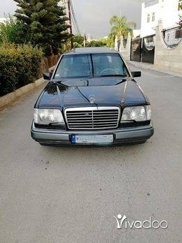 Mercedes-Benz in Menyeh - Mersedes 220e