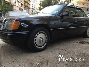 Mercedes-Benz in Abou Samra - 300 مرسدس مازوت
