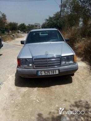 Mercedes-Benz in Port of Beirut - ﻣﺮﺳﻴﺪ 300ﻣﺴﺠﻠﺔ ﻧﻈﺎﻣﻴﻪ ﻣﻴﻪ ﺍﻟﻤﻴﻪ ﻣﻮﺗﻴﺮ ﺍﺳﻮﺩ 4ﺳﻠﻨﺪﺭ