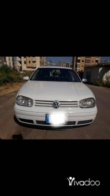 Volkswagen in Bouchrieh - Golf 4 2000