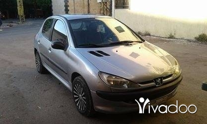 Peugeot in Akkar el-Atika - بجيو 206 انقاض