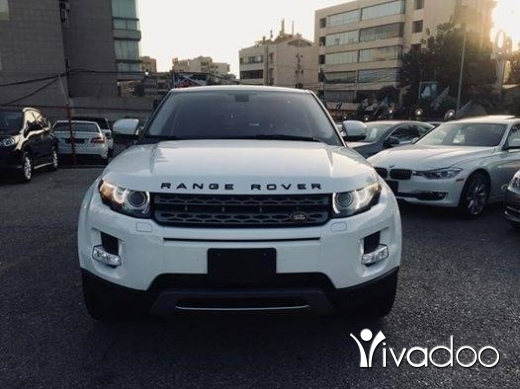 Rover in Beirut City - 2013 evoque white on black. Fully loaded in options.