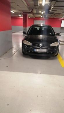 Renault in Furn el-Chebbak - سيارة رينو ميغان 2 قيادة فتاة البيع بداعي السفر