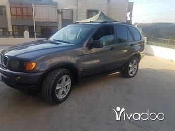 BMW in Aramoun - X5 ktir ndif mecanik w kahraba 100 100 ma fi wala 3otl