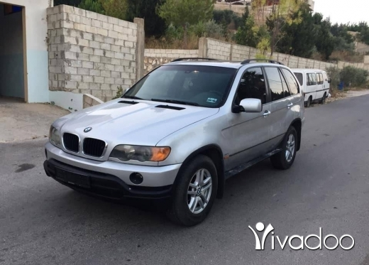 BMW in Beirut City - X5 bmw model 2001 6 cylinder msakar mecanic ndif ma bado chi