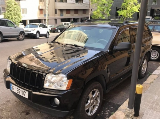 Jeep in Achrafieh - Jeep Grand Cherokee laredo for sale