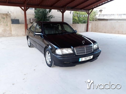 Mercedes-Benz dans Aigre - C class 280 model 1997