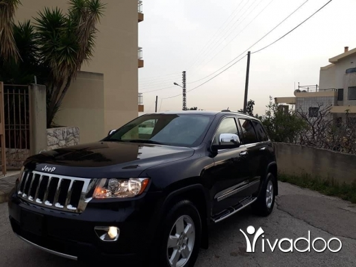 Jeep in Jbeil - 2011 grand cherokee laredo 4wd ajnabe 3.6