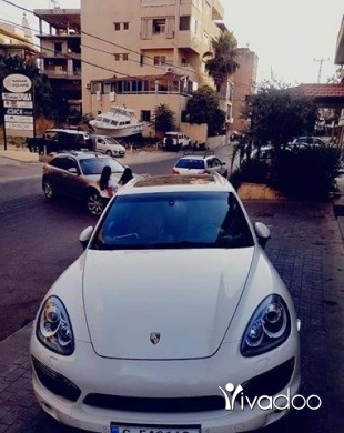 بورش في مدينة بيروت - Porsche Cayenne V8 2011 full