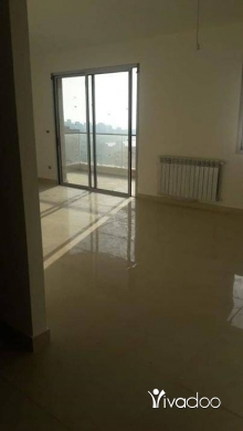 Apartments in Beirut City - للبيع شقة 200 m + تراس 130 m مفروزة حديثا في حارة صخر 4 مواقف سيارات سعر خيالي نقدا تل 81894144
