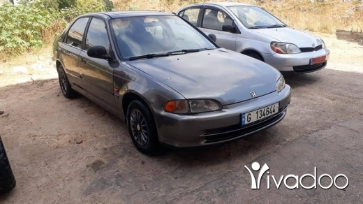 Honda in Metn - civic 93 atoumtic makyfeh w fat7a w azez kahrba