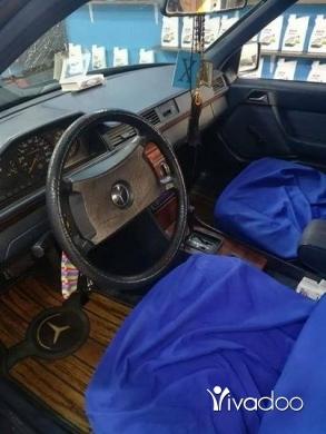 Mercedes-Benz in Tripoli - سيارة بيت ٣٠٠ مرسيدس بنزين ٤ سلندر مقطوع ٢٠١٨ سيارة خارقة ماشاءالله .للمراجعة الاتصال