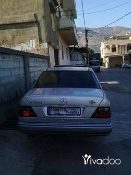 Mercedes-Benz in Menyeh - مرسادس.٣٠٠.لون.فضي.