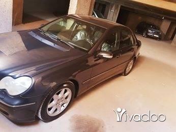 Mercedes-Benz dans Tripoli - C240 model 2002 german origin
