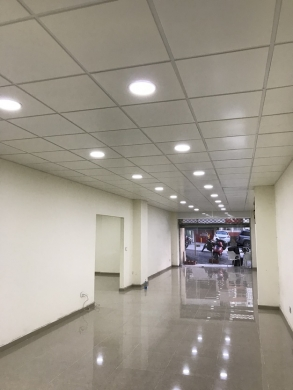 Shop in Zouk Mosbeh - Show room for rent or sale