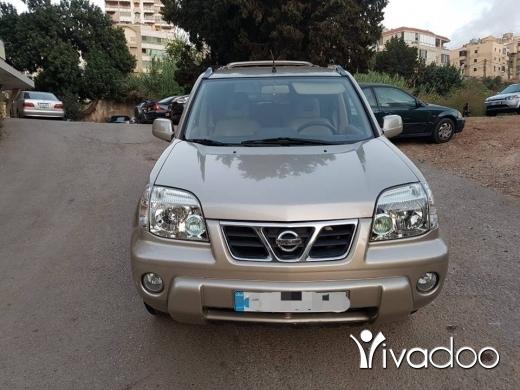 Nissan in Khalde - Nissan Xtrail 2002 Gold 4wd
