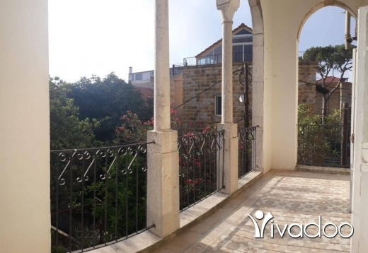 Apartments in Broumana - A traditional vintage apartment for rent in Broumana