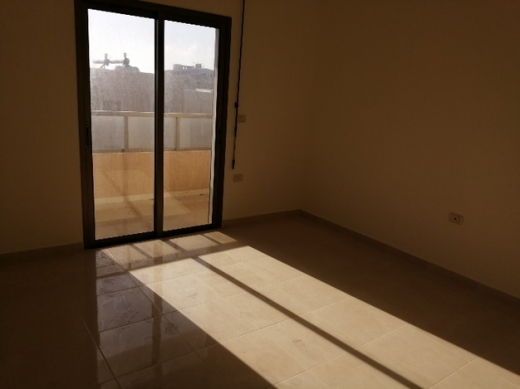 Apartments in Corniche El Baher - شقه للمقايضه صيدا