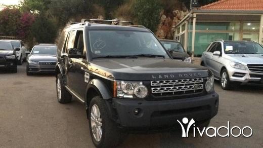 Land Rover in Port of Beirut - LR4
