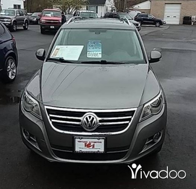 Volkswagen in Baouchriye - Volkswagen tiguan 2009 fully loaded very clean
