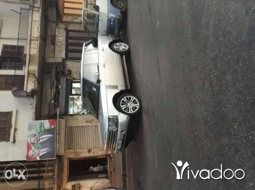 Rover in Kobbeh - رنج روفر