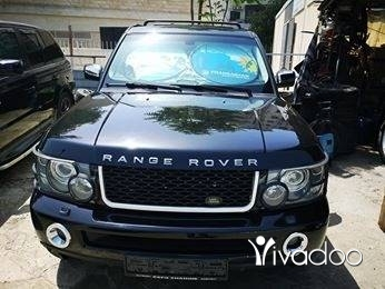 Rover in Port of Beirut - Range rover sport