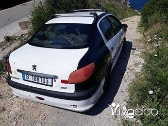 Peugeot in Sir Denniyeh - بيجو فيتيس عادي موظيل 2009 للبيع