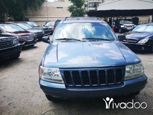 Jeep in Port of Beirut - Jeep cherokee limited