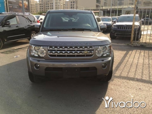 Rover in Port of Beirut - Land Rover LR4 HSE 2010