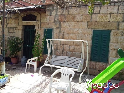 Apartments in Sir Denniyeh - عقار كامل للبيع بيت حجر قديم