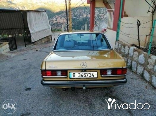 Mercedes-Benz in Tripoli - Merecedes 230