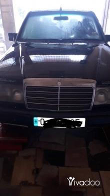 Mercedes-Benz in Port of Beirut - مرسيدس 300
