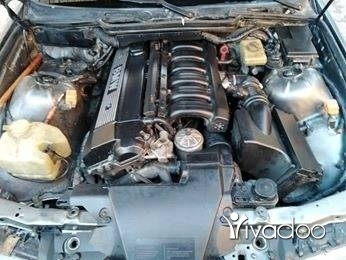 BMW in Borj Hammoud - سياره نظيفه دركسون زيت