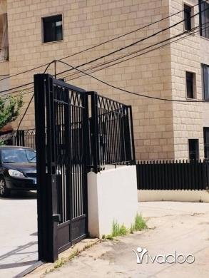 Apartments in Kornet Al Hamra - شقة للبيع في منطقة قرنة الحمرا تابعة لمنطقة قرنة الحمرا العقارية