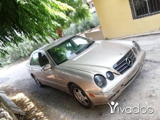 Mercedes-Benz in Nabatyeh - mercedes E.320 model 2001