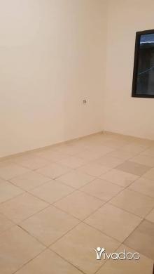 Apartments in Port of Beirut - غرف في حي السلم للايجار
