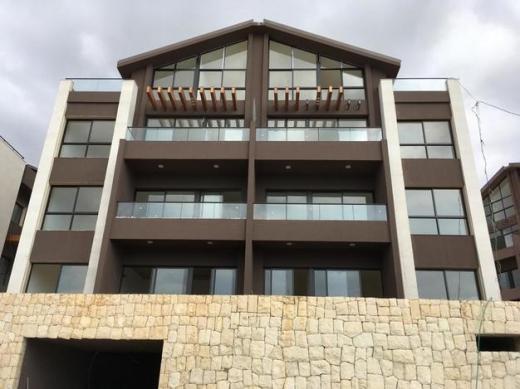 Apartments in Bouar - شقة دوبلكس للبيع في منطقة البوار