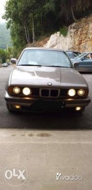 BMW in Ghazir - BMW 525موديل ١٩٨٨مفولة