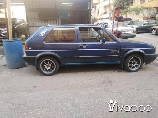 Volkswagen in Tripoli - غولف انقاض