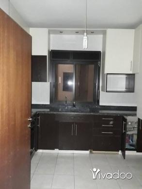Apartments in Rabweh - شقة لقطة وسعرها لقطة على طريق العام للبيع في منطقة الربوة