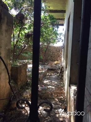 Apartments in Abou Samra - ابي سمراء-منزل قديم وكبير مع حديقة بمساحة 377م-سند اخضر