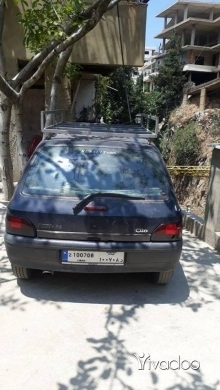 Renault in Tripoli - سيارة رينو كليو ٩٦