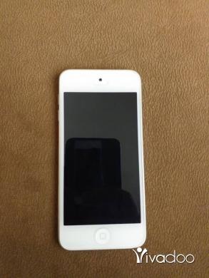 Apple iPhone in Tripoli - ipod 6 32g