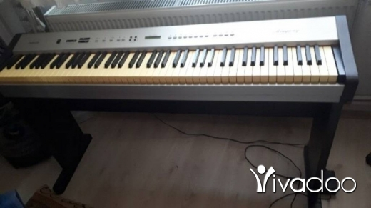 Musical Instruments & DJ Equipment in Hamra - Digital Piano ringway pdp220 88 weight keys+chair+stand للبيع بداعي سفر ديجيتال بيانو مع ستاند وكرسي
