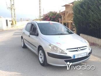 Peugeot in Zgharta - بيجو307مفوله توب عفحص اتومتيك مكيف تلج انقاض ما عليها شي وفيرة4سلندر ما بدها ليرة سيارة